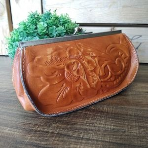 PATRICIA NASH TAN FLORAL TOOLED LEATHER CLUTCH GUC